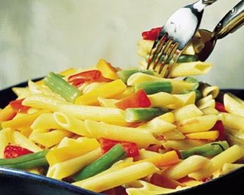 Salada de macarrão com anchova_vitrine